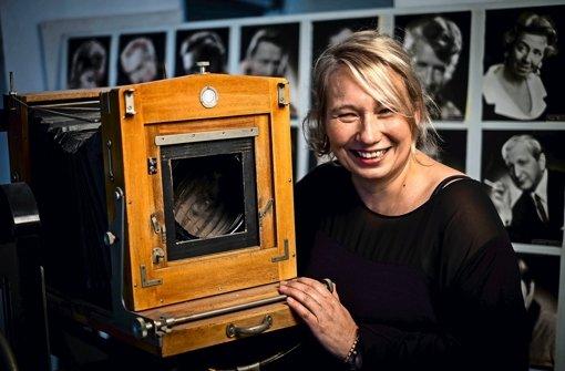 Tanja Isecke, seit 1998 Chefin des Fotoateliers Dittmar, schließt eine Legende: Am Samstag verkauft sie von 10 bis 18 Uhr die Einrichtung des Studios  an der Tübinger Straße 3 Foto: Lichtgut/Max Kovalenko