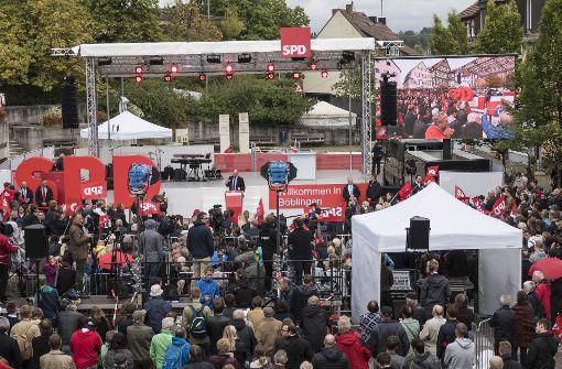 Auf den Marktplatz in Böblingen sind etliche hundert Besucher geströmt. Foto: factum/Weise