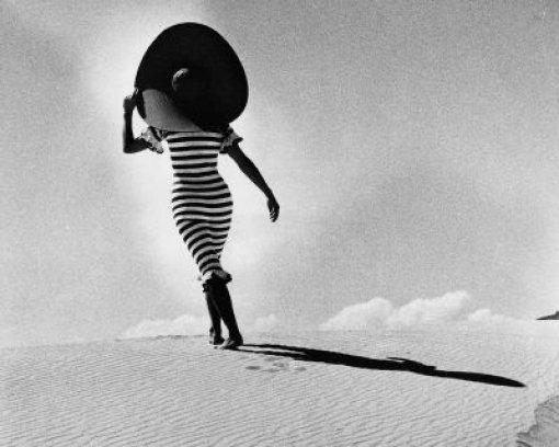 In den Dünen von Alicante, Spanien 1965 Foto: © Hannes Kilian
