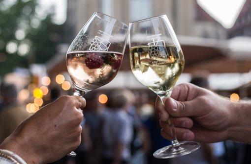 Findet das Stuttgarter Weindorf 2017 wieder in Hamburg statt? Foto: dpa