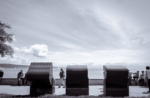 Strandkörbe auf der Insel Mainau zeigen den hohen Dynamikumfang der XT-2(Fujifilm XT-2). Foto: Julian Wenzel