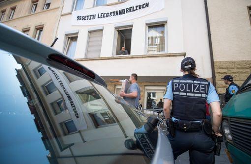 Polizei räumt besetzte Wohnungen