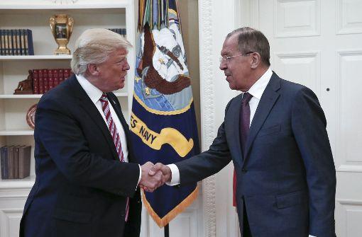 Trump soll Geheimdienstinfos an Russen gegeben haben