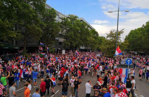 Die Theodor-Heuss-Straße in Stuttgart ist fest in kroatischer Hand. Foto: Andreas Rosar/Fotoagentur Stuttgart