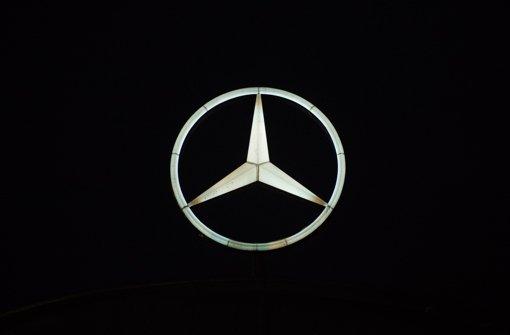 Daimler beteiligt auch in diesem Jahr Mitarbeiter an seinen Gewinnen – mit hohen Sonderzahlungen. Doch nicht alle Beschäftigten werden daran beteiligt. Foto: dpa