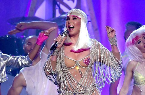 Cher im knappen Glitzerkleid, Drake als großer Abräumer