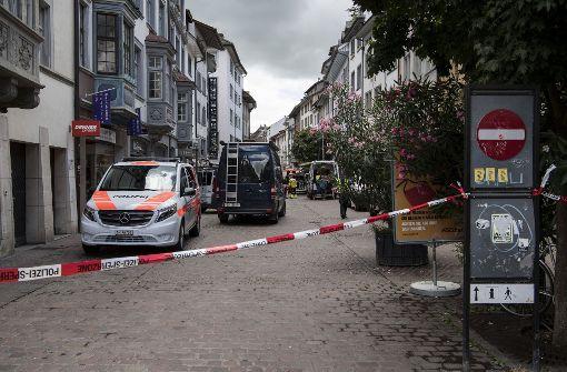 Mann mit Kettensäge verletzt fünf Menschen