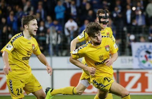 FUSSBALL: Dritte Liga, SG Sonnenhof Großaspach gegen Werder Bremen II am Samstag (14 Uhr) in der Mechatronik-Arena – Im WFV-Pokal-Viertelfinale gegen die a href=https://www.stuttgarter-nachrichten.de/inhalt.wfv-pokal-liveticker-die-stuttgarter-kickers-empfangen-die-sg-sonnenhof.d95dcea8-a215-4b5c-aa79-1beb5d8c9b8c.html target=_blankStuttgarter Kickers/a mussten die Großaspacher in die Verlängerung – erst nach 120 Minuten standen sie als Sieger fest (2:1). Am Samstag steht schon das nächste Spiel an. Zu Gast ist der Tabellenvorletzte aus Bremen, der in arger Abstiegsnot ist.  Foto: Baumann