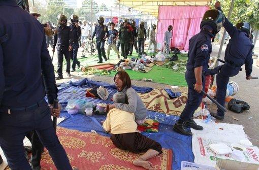 Polizei geht mit Gewalt vor