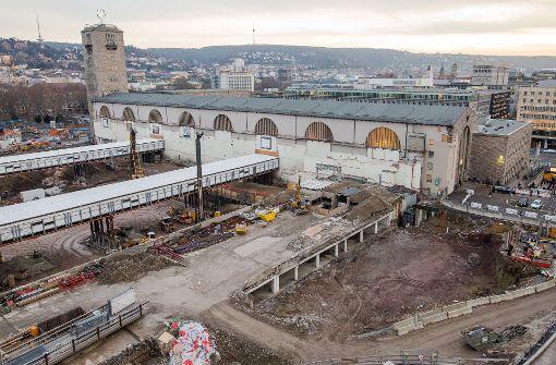 Rund um den Stuttgarter Hauptbahnhof wird kräftig gebaut – wer die Mehrkosten dafür übernimmt, entscheiden aber die Juristen Foto: dpa