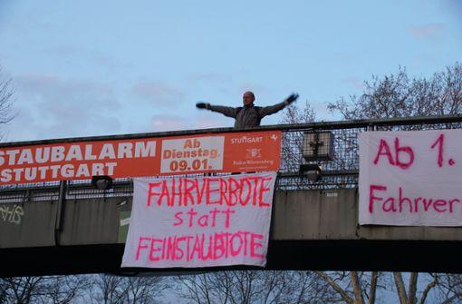 Am Neckartor wird immer wieder gegen die Feinstaubbelastung demonstriert. Foto: Andreas Rosar Fotoagentur-Stuttgart
