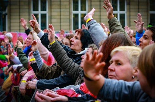 Das Publikum bejubelt die Stars auf der Bühne.  Foto: 7aktuell.de/Friedrichs