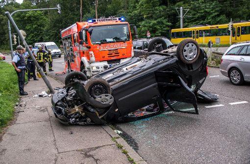 Die betagte Autofahrerin kam ins Schleudern und überschlug sich mit ihrem Wagen. Foto: SDMG