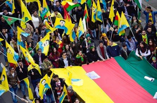 Das kurdische Neujahrsfest Newroz ist immer auch Anlass für Kundgebungen in der ganzen Welt, wie hier in Hannover. Foto: dpa
