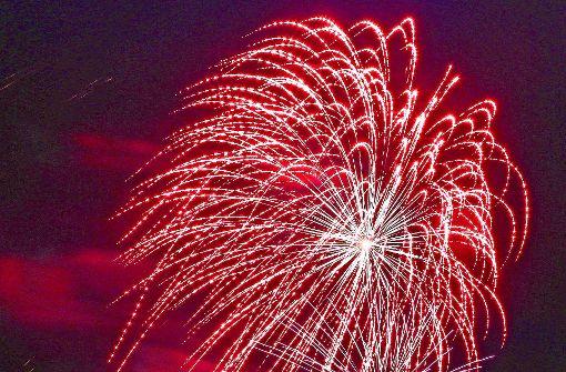 Hell erleuchteter Garten: das Musikfeuerwerk im Blühenden Barock. Foto: factum/Granville