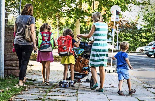 Elterntaxis gefährden Schulkinder