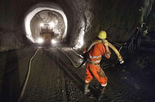 Die Bahn rückt beim Fildertunnel von der geplanten Bauweise ab.   Foto: dpa