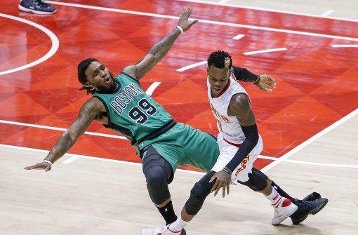 Hawks gewinnen mit Schröder auch zweites Spiel gegen Boston