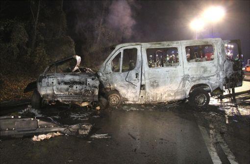 Ein Toter und mehrere Verletzte bei schwerem Unfall
