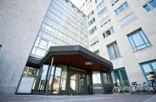 76-Jähriger schweigt zu Prozessbeginn in Stuttgart