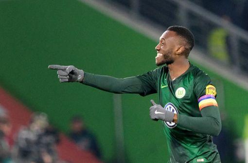 Der VFL Wolfsburg ging durch Joshua Guilavogui in Führung – und der freut sich. Foto: dpa