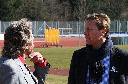 Hier ein paar Eindrücke von den Dreharbeiten zur 25. Folge von a href=https://www.brunosiehtrot.de/ target=_blankstrongBruno sieht rot/strong/a mit Guido Buchwald im ADM-Sportpark in Stuttgart-Degerloch.br Foto: Henrik Lerch
