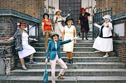 Die Hut-Damen  gehen nie oben ohne aus