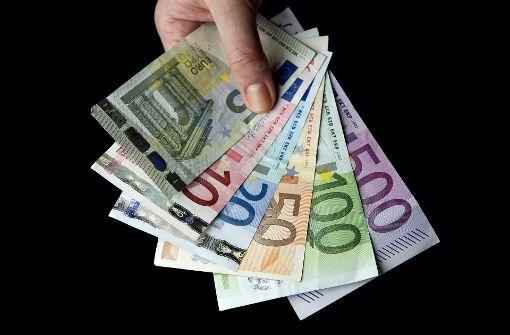 """13-Jähriger verschenkt 4500 Euro an """"neue Freunde"""""""