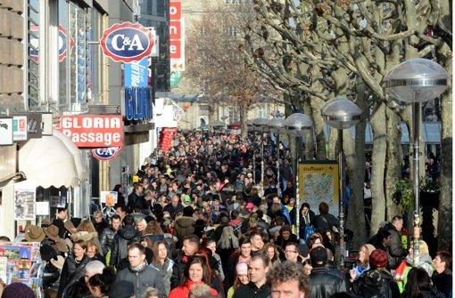 Einwohnerzahl wächst 2015 um 9406