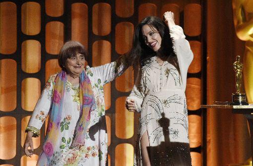 Agnès Varda erhält von Angelina Jolie Ehren-Oscar
