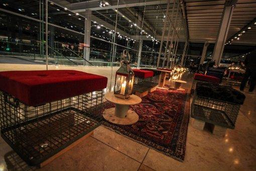 cube restaurant in stuttgart mitte supper club verw hnt die g ste stuttgart mitte. Black Bedroom Furniture Sets. Home Design Ideas