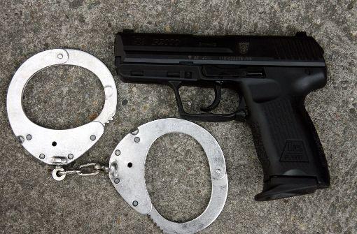 25-Jähriger bedroht Polizisten