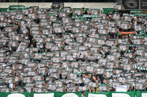 Werder Bremen droht AfD-Fan mit Dauerkarten-Entzug