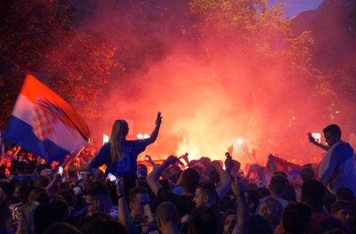Aufgeheiztes Fan-Fest der Kroaten auf der Theodor-Heuss-Straße