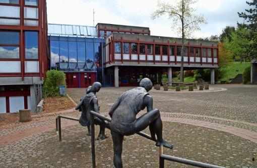 Auf dem  Steinenberg könnte  zur Grundschule eine Außenstelle des Wirtemberg-Gymnasiums errichtet werden. Foto: Mathias Kuhn