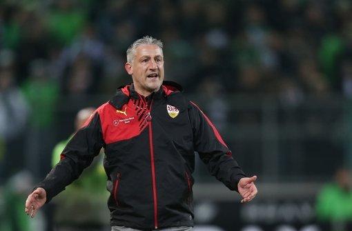 Jürgen Kramny will mit dem VfB Stuttgart die englische Woche möglichst mit einem Heimsieg gegen die TSG 1899 Hoffenheim abschließen. Mit welcher Startaufstellung dies gelingen soll, erfahren Sie in der Bildergalerie. Foto: dpa