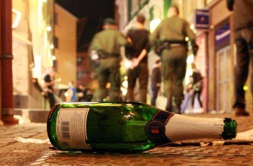 Bei einer Weihnachtsparty in Leonberg haben sich etwa 30 junge Leute eine Schlägerei geliefert. (Symbolfoto) Foto: dpa