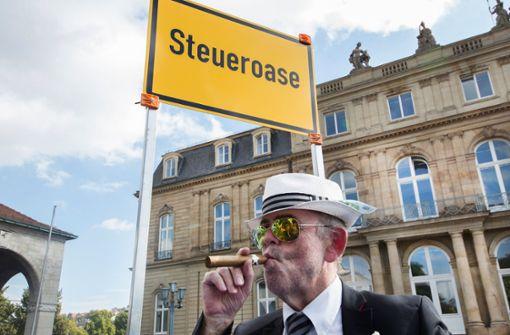Eine Protestaktion gegen Steuerhinterziehung auf dem Stuttgarter Schlossplatz – zuvor waren die  so genannten Panama Papers an die Öffentlichkeit gelangt. Foto: dpa