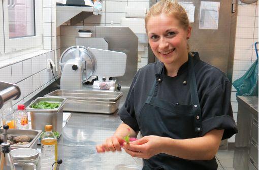 24-Jährige  geht bei Kochwettbewerb als einzige Frau ins Rennen