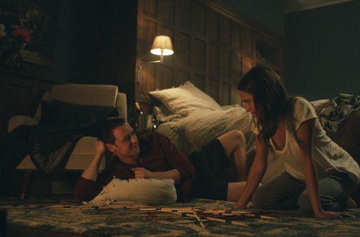 Schnell wird aus Danielle (Alicia Vikander) und James (James McAvoy) ein echtes Liebespaar.  Foto: Warner