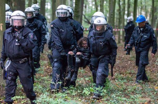 Massiver Polizeieinsatz gegen Braunkohlegegner