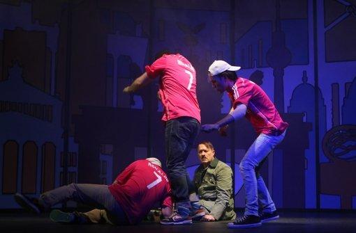 Reinhold Weiser spielt im Theater der Altstadt im Westen Adolf Hitler. Foto: Sabine Haymann