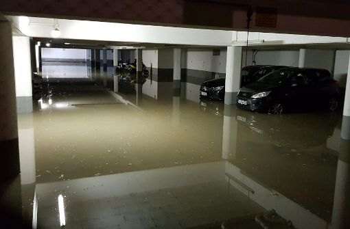 Tiefgarage nach Wasserrohrbruch überschwemmt