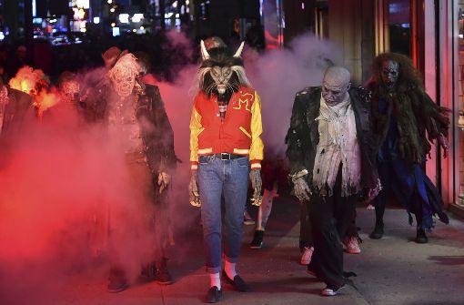 """Heidi Klums Halloween-Party: Model verkleidet sich mit """"Thriller ..."""