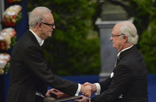 Carl Gustaf ehrt die Preisträger
