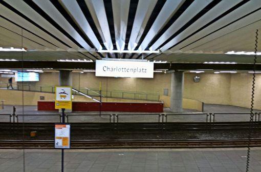 """Eineinhalb Jahre war der Charlottenplatz wegen Bauarbeiten an der Haltestelle """"Staatsgalerie"""" verwaist. Foto: Sascha Maier"""