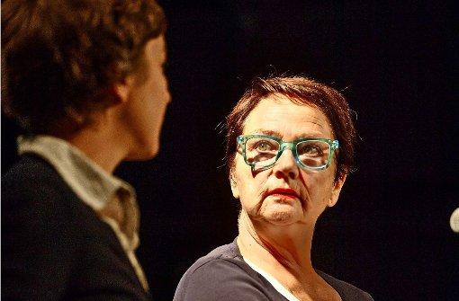 Die Autorinnen Kathrin Feldhaus (links) und Margarethe Mehring-Fuchs bei der Buchvorstellung. Die Autorinnen bei der Lesung. Die Autorinnen bei der Lesung Foto: Gottfried Stoppel