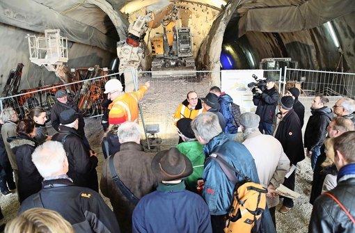 """5000 Besucher nutzten den ersten der drei """"Tage der offenen Baustelle"""" zur Besichtigung des S-21-Geländes am Hauptbahnhof Foto: Jan Reich"""
