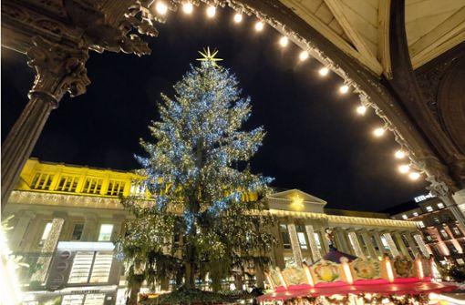 Stuttgarter Weihnachtsbaum verspätet sich