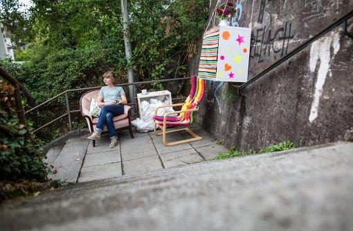 In Stuttgart werden Treppen mitten in der City zu Wohnzimmern. Foto: dpa